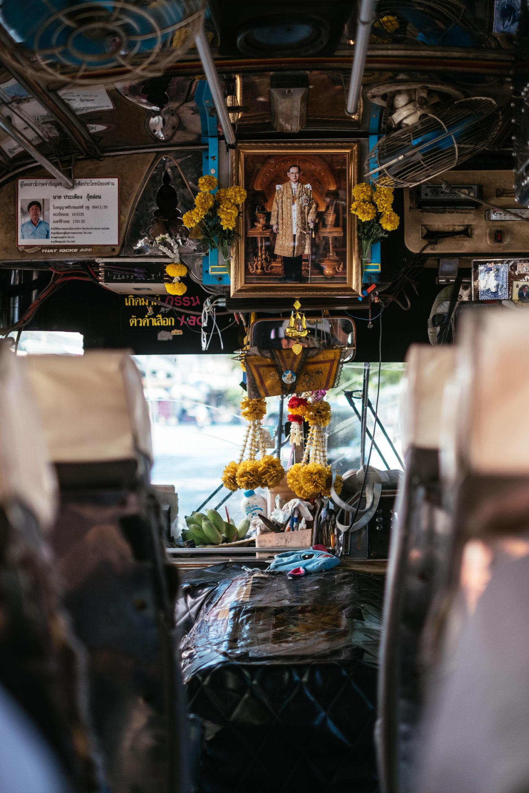 Bus von Nakhom Pathom zum Wat Bang Phra